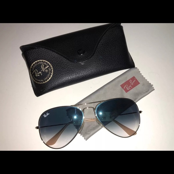 16161234d60bc Ray-Ban Aviator RB3025 Light Blue Gradient Gold. M 5a73303b2ae12fc66f7a01e8